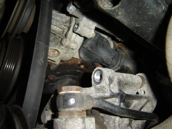 How To 20 Thermostat And Coolant Flushrhfacultyccpedu: 2001 Jetta 2 Liter Thermostat Location At Elf-jo.com